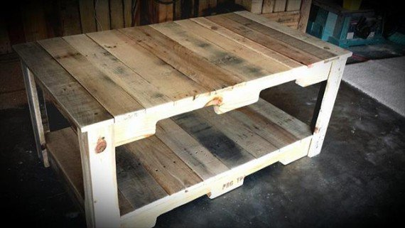 diy-rustic-pallet-coffee-table