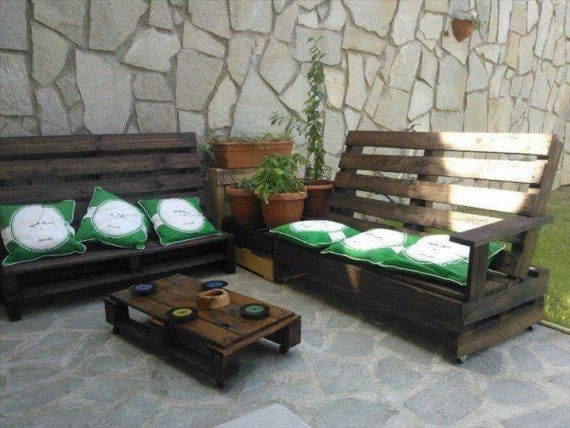 pallet-sofa-and-bench-with-armrests-backrests