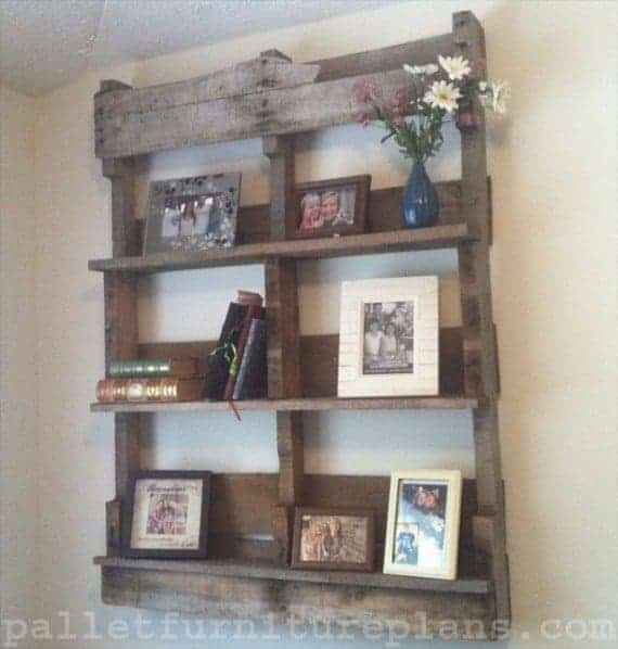 This is another great way of upcycling pallets. Some excellent ...