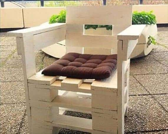 how to make chairs out of pallets