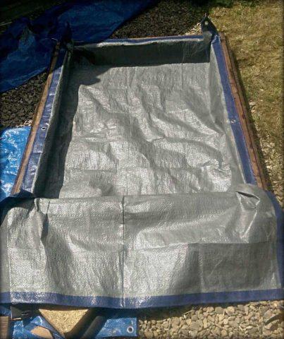 pallet sandbox lining